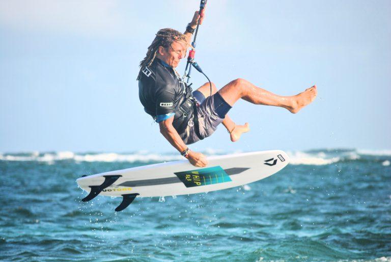 Marcus Kiteboarding on waves